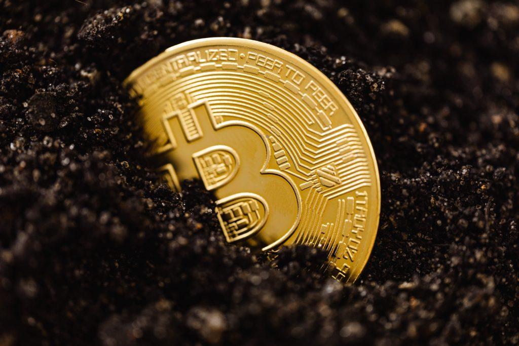 Retrait cryptomonnaie - Les plateformes centralisées et décentralisées